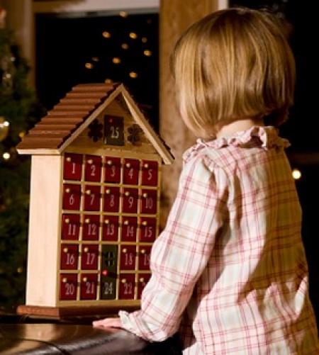advent-calendar-girl-5-450x