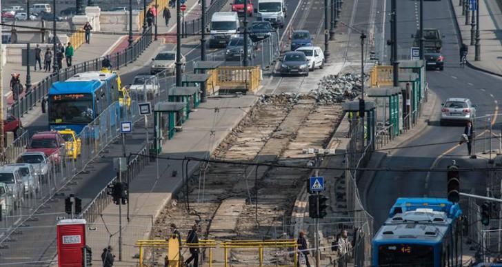 Átadták az 1-es villamos új szakaszát, de a Nagykörúton és Budán rossz a helyzet