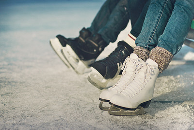 girls-hockey-ice-ice-skating-Favim.com-1396820