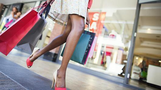 5 tipp: vásárolj a leárazásokon, tündökölj tavasszal!