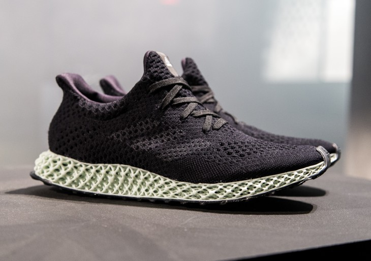 Fényből készít cipőt az adidas