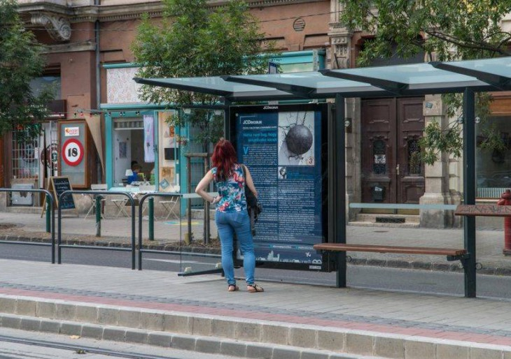 Novellák lepték el a buszmegállókat – a kortárs irodalom utat tört magának