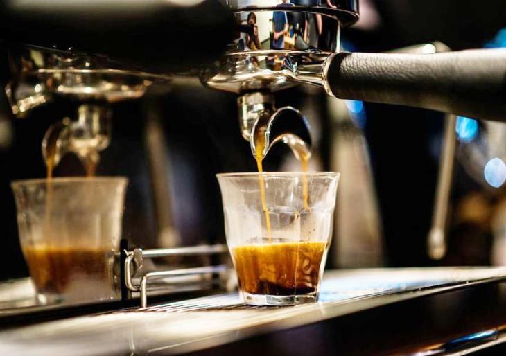 A Vogue magazin Budapest legjobb újhullámos kávézókról ír