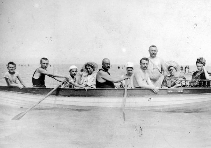 Elképesztő fotók a múltból: így nyaraltak eleink 100 évvel ezelőtt