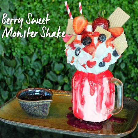 berry-sweet-monster-shake