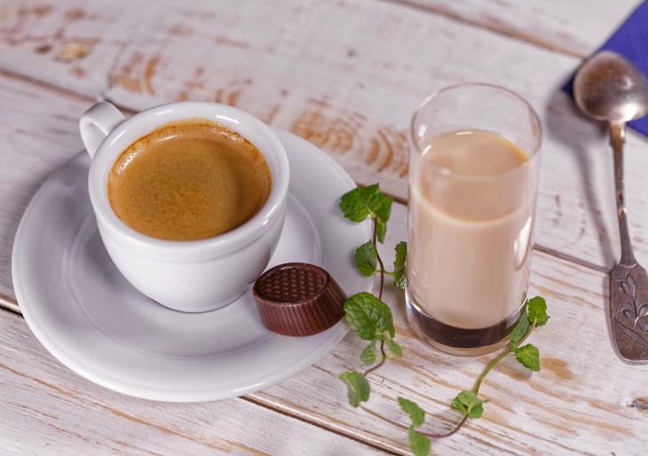 A hét híre: a kávéivás meghosszabbítja az életet