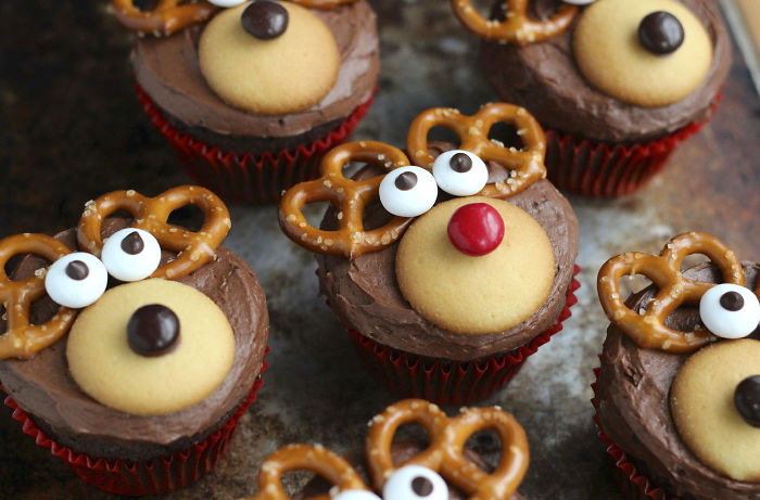 creative-holiday-cupcake-recipes-244-5a2e801e0442c__700
