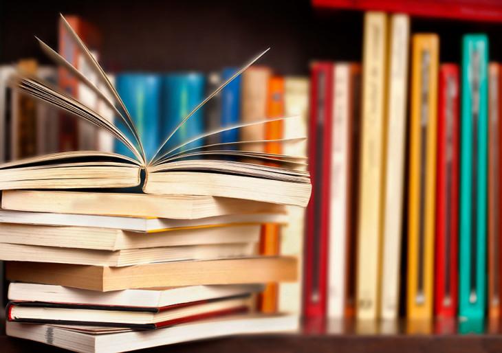 Zseniális! Könyvautomatákkal népszerűsíti az olvasást pár magyar fiatal