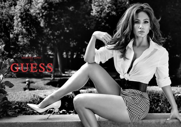 Ez a baj Jennifer Lopez új reklámfotójával