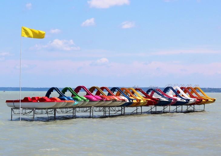Balatoni strandkörkép: ennyiért fürödhetünk idén nyáron a magyar tengeren