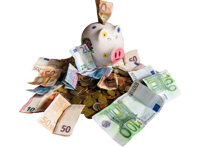 Pénzügyi tippek a nyaraláshoz ingadozó euró esetén