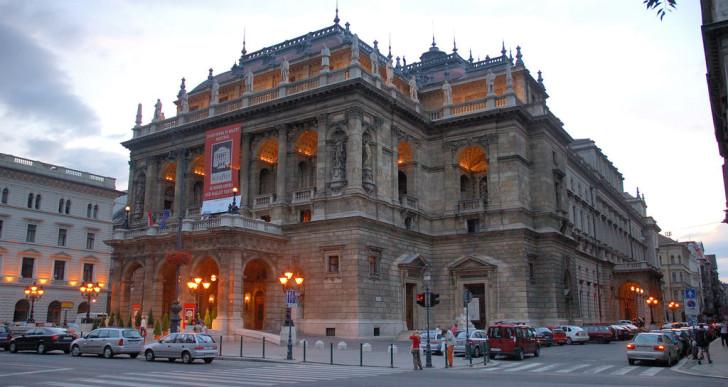 Ilyen lesz a felújított Operaház