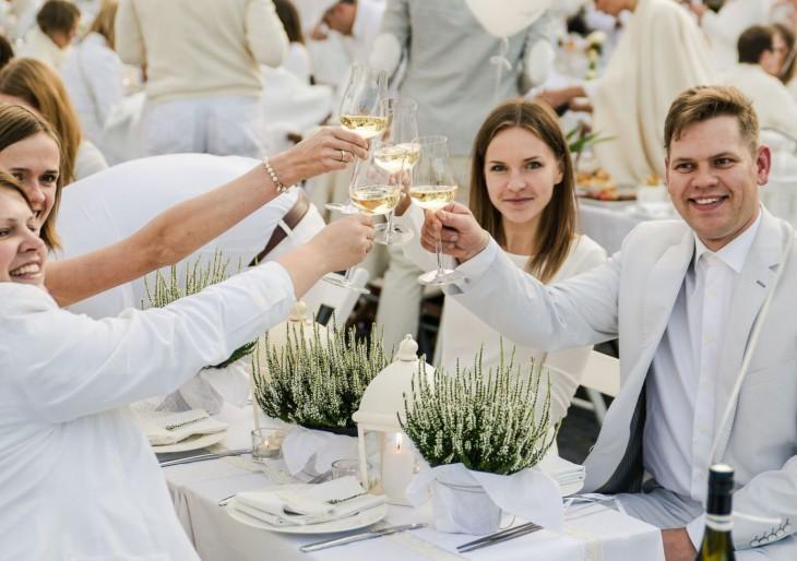 Szeptember elsején lesz a 3. budapesti Le Diner en Blanc