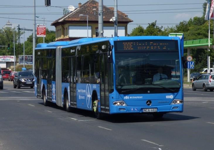 Nap közben 10 percenként jár a 100E reptéri busz