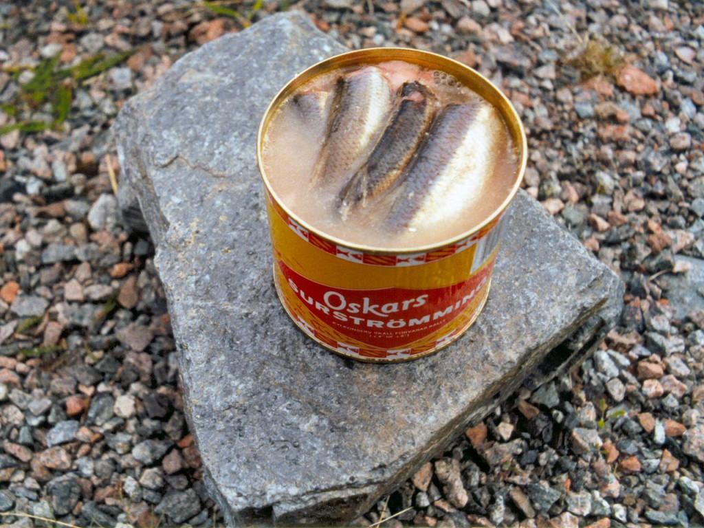 1280px-Surströmming