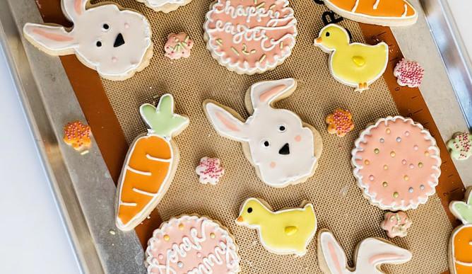 Így teheted ünnepivé a húsvétot bezárkózva is