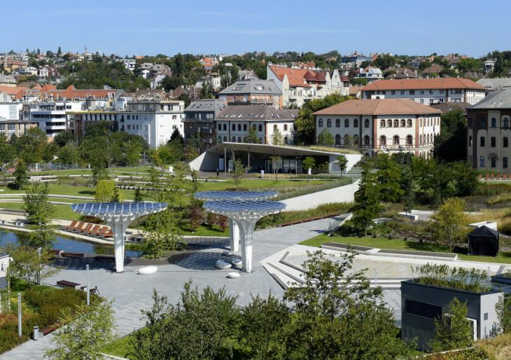 Panorámaliftek, függőkert: Buda új parkját látnod kell!