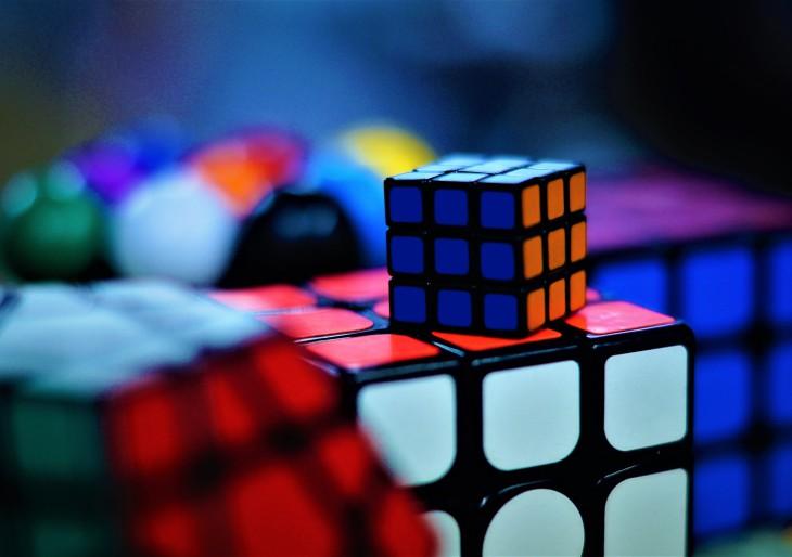 Megveszi a Rubik-kockát egy kanadai játékgyár