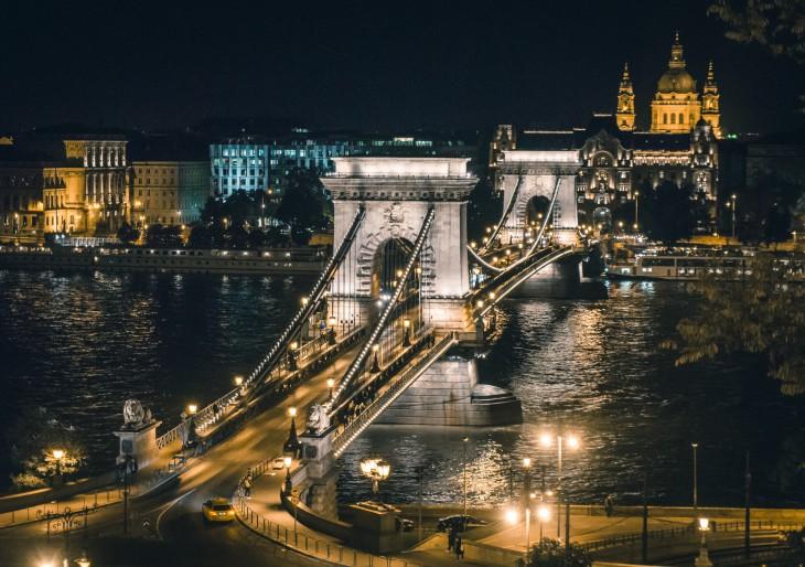Zöld díszkivilágítást kap idén karácsonykor Budapest